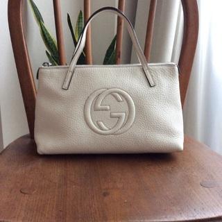グッチ(Gucci)の✨冬の白✨GUCCI SOHOトートバッグ(トートバッグ)