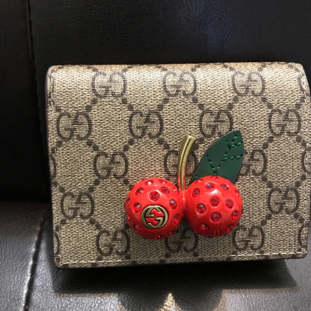 online store 3a147 cb6e7 GUCCI チェリー 財布 | フリマアプリ ラクマ