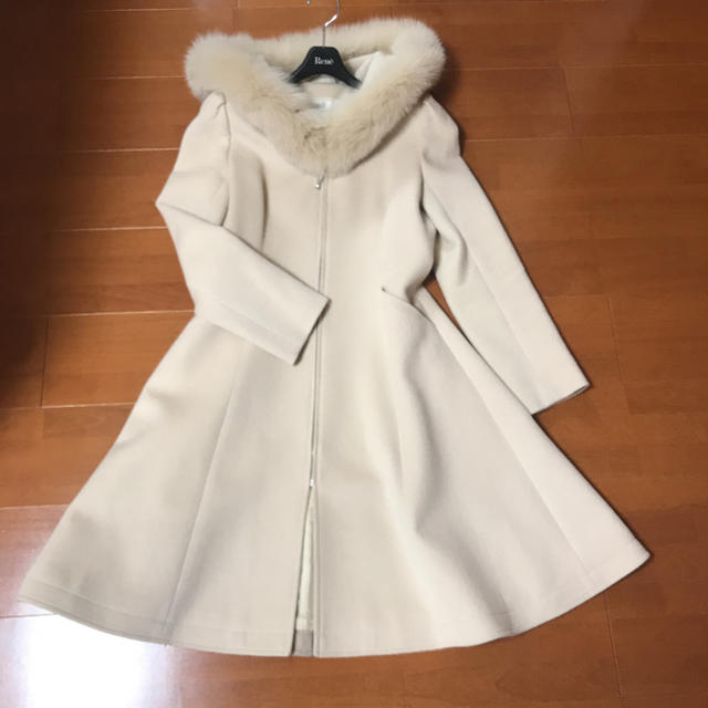 René(ルネ)のルネ ベージュファーコート 34 レディースのジャケット/アウター(毛皮/ファーコート)の商品写真