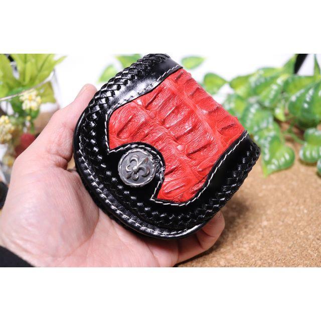 ワニ革と牛革の小銭入れ/アンティークコンチョ付き 赤×黒 メンズのファッション小物(コインケース/小銭入れ)の商品写真