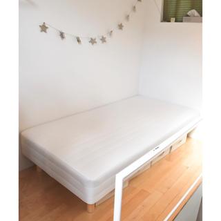 ムジルシリョウヒン(MUJI (無印良品))の無印 ベッド シングル 脚付(シングルベッド)