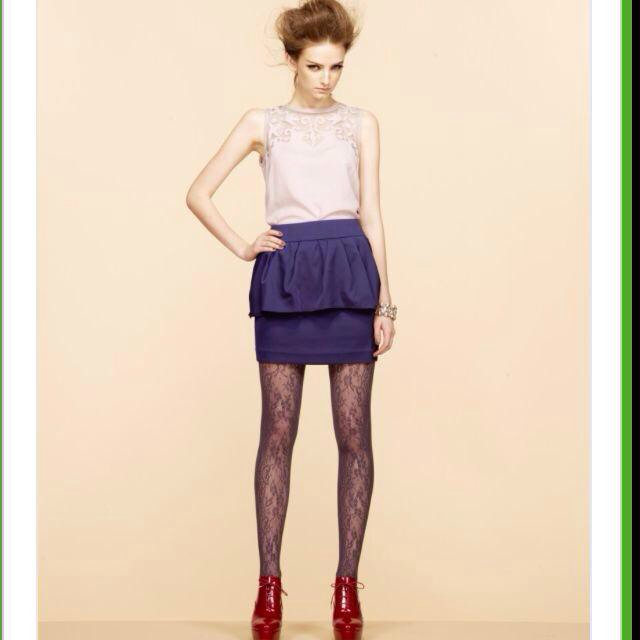 MERCURYDUO(マーキュリーデュオ)のストレッチサテンペプラムスカート レディースのスカート(ミニスカート)の商品写真