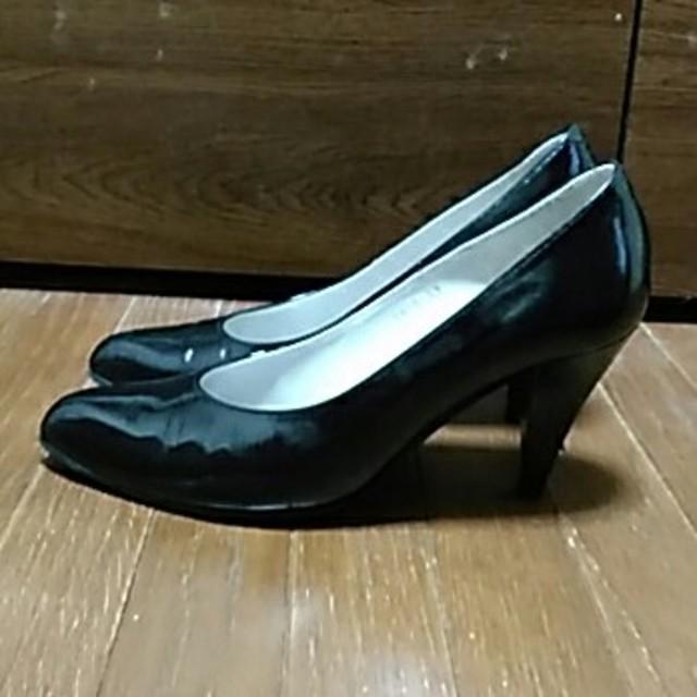 GINZA Kanematsu(ギンザカネマツ)の銀座Kanematsu 黒エナメルパンプス レディースの靴/シューズ(ハイヒール/パンプス)の商品写真