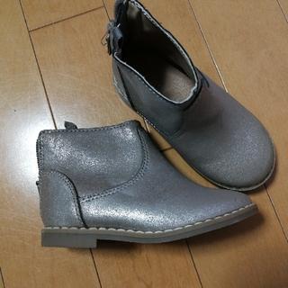 ベビーギャップ(babyGAP)のGAP  シルバー ショートブーツ 13.5(ブーツ)