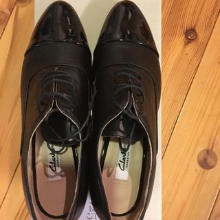 クラークス(Clarks)のレースアップシューズ (クラークス)(ローファー/革靴)