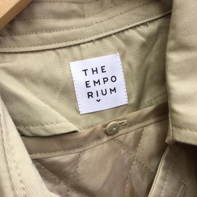 THE EMPORIUM(ジエンポリアム)のTHE EMPORIUM トレンチコート 裏地付き ベージュ レディースのジャケット/アウター(トレンチコート)の商品写真