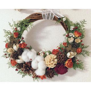 クリスマス価格♡薔薇と木の実のドライフラワーリース(ドライフラワー)