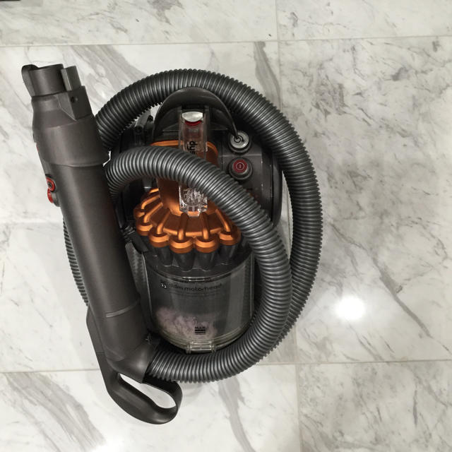 Dyson(ダイソン)のダイソン 掃除機 スマホ/家電/カメラの生活家電(掃除機)の商品写真