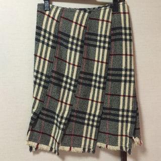 バーバリー(BURBERRY)のバーバリーロンドン 定価8万以上 ひざ丈チェックスカート(ひざ丈スカート)