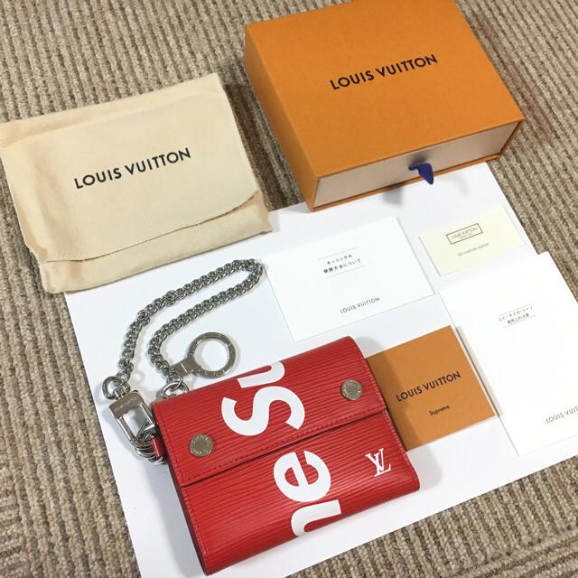 san francisco 748b3 9c5da ルイヴィトン×シュプリーム コラボのウォレットチェーン付き三つ折り財布 | フリマアプリ ラクマ