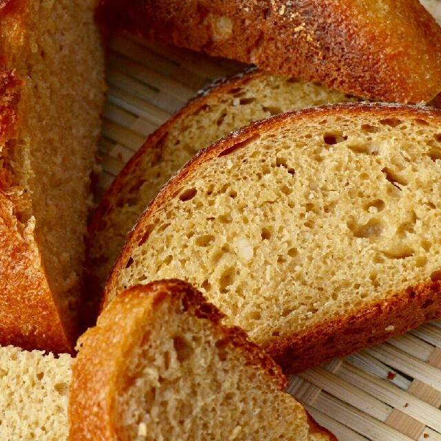 8日限定受注 焼きたて米糠カンパーニュ4個セット 食品/飲料/酒の食品(パン)の商品写真