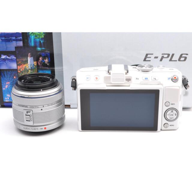 OLYMPUS(オリンパス)の❤️スタイリッシュな白❤️オリンパス OLYMPUS PEN E-PL6❤️ スマホ/家電/カメラのカメラ(ミラーレス一眼)の商品写真