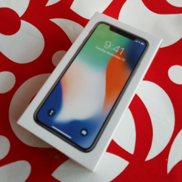 iPhone(アイフォーン)の新品未開封 iPhone ⅹ 64GB SIMフリー シルバー スマホ/家電/カメラのスマートフォン/携帯電話(スマートフォン本体)の商品写真