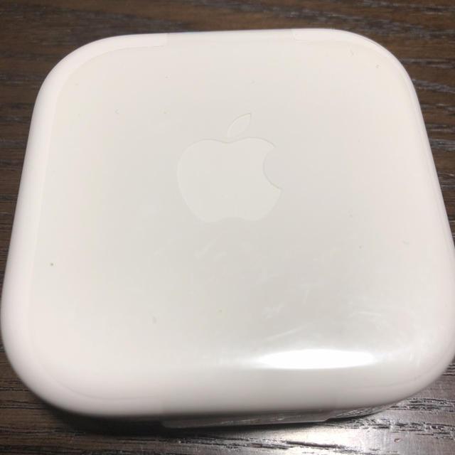 iPhone(アイフォーン)のiPhone  アイフォン イヤホン 正規品です スマホ/家電/カメラのオーディオ機器(ヘッドフォン/イヤフォン)の商品写真