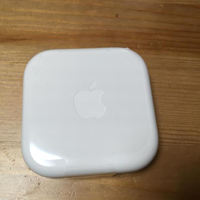 iPhone(アイフォーン)の[新品未使用] Apple iPhone 純正 イヤフォン スマホ/家電/カメラのオーディオ機器(ヘッドフォン/イヤフォン)の商品写真
