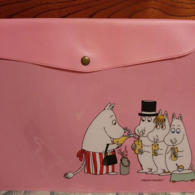 ムーミン ピンク色のナイロン ケース レディースのファッション小物(その他)の商品写真