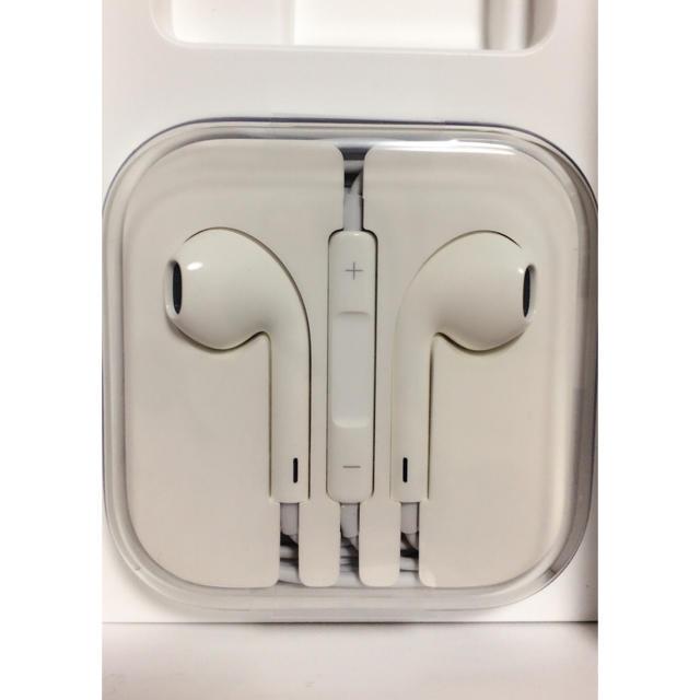 iPhone(アイフォーン)のiPhone6s 純正イヤホン 新品未使用未開封 スマホ/家電/カメラのオーディオ機器(ヘッドフォン/イヤフォン)の商品写真