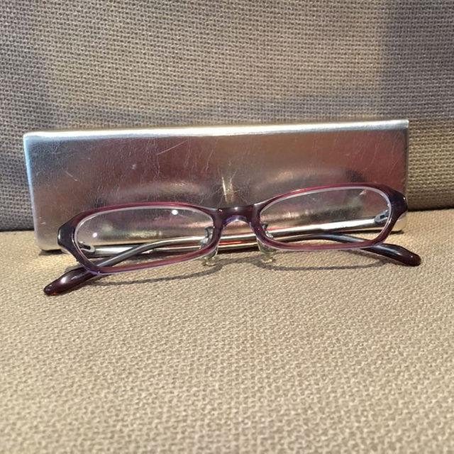 JINS メガネケース付き ゴールドケース レディースのファッション小物(サングラス/メガネ)の商品写真