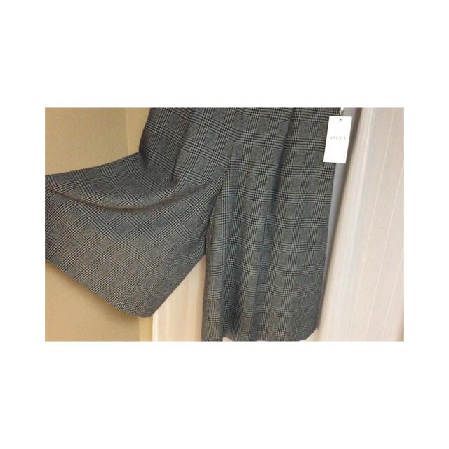 anySiS(エニィスィス)の新品タグ付き✨anysisグレーチェックベルトキュロット(ガウチョパンツ) レディースのパンツ(キュロット)の商品写真