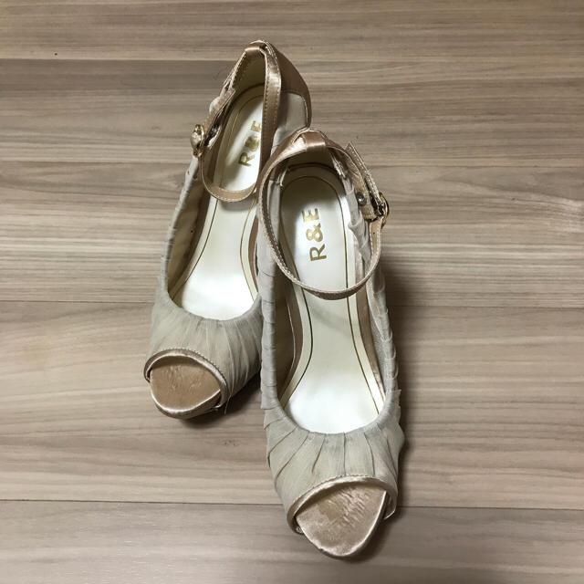 R&E(アールアンドイー)のR&E パンプス レディースの靴/シューズ(ハイヒール/パンプス)の商品写真