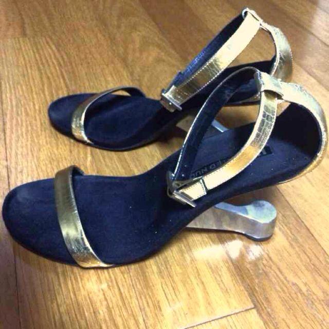 UNITED NUDE ゴールドサンダル レディースの靴/シューズ(サンダル)の商品写真