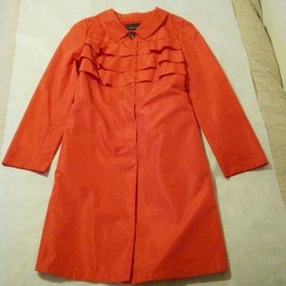 スーナウーナ(SunaUna)の真っ赤なスプリングコート(ロングコート)