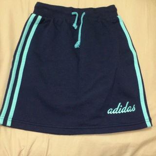 アディダス(adidas)の【タグ付き】adidas キッズスカート(スカート)