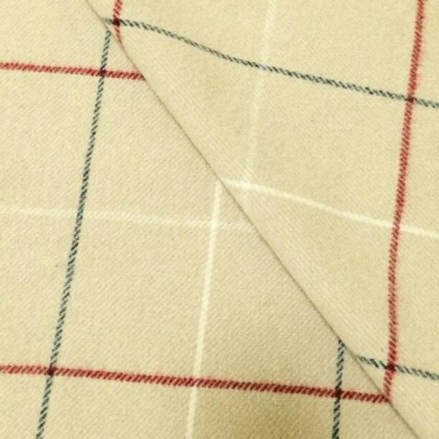 BURBERRY(バーバリー)のバーバリー ライトベージュ 厚手ウール100% ブランケット 膝掛け ストール レディースのファッション小物(ストール/パシュミナ)の商品写真