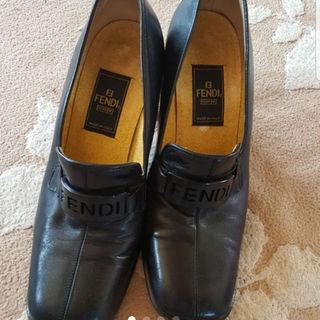 フェンディ(FENDI)のwoody様専用❤FENDI フェンディ パンプス(ローファー/革靴)