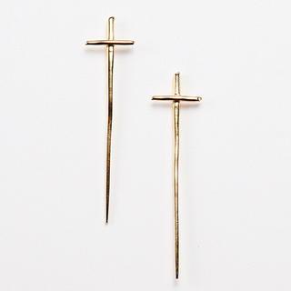 エナソルーナ(Enasoluna)の最終値下げ Point cross pierced(ピアス)