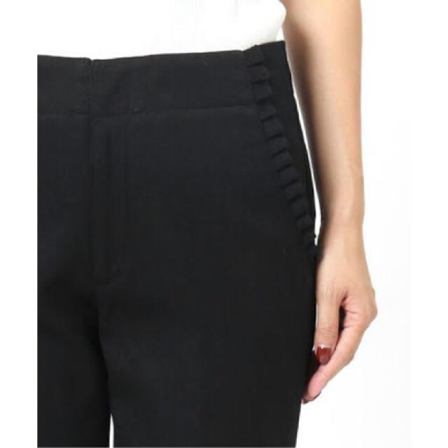 IENA(イエナ)の美品!IENA イエナ フリルポケットパンツ 36 ブラック レディースのパンツ(クロップドパンツ)の商品写真