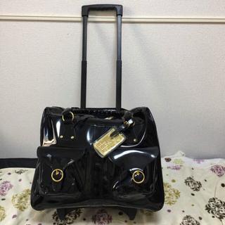 リズリサ(LIZ LISA)のリズリサ 黒エナメル×ゴールドキャリーバッグ(スーツケース/キャリーバッグ)
