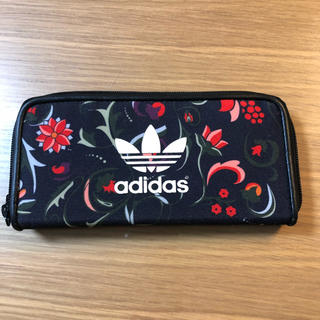 アディダス(adidas)のadidas 長財布 花柄(財布)
