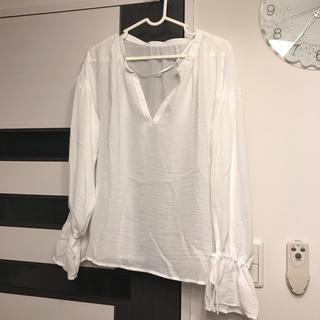 ジーユー(GU)のGU♡キャンディースリーブブラウス ホワイト(シャツ/ブラウス(長袖/七分))
