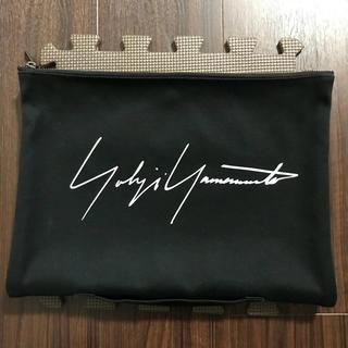ヨウジヤマモト(Yohji Yamamoto)のyohji yamamoto matatabiコラボ クラッチバッグ(セカンドバッグ/クラッチバッグ)