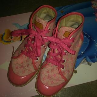 ルイヴィトン(LOUIS VUITTON)のルイヴィトン キッズ ピンク 靴(スニーカー)
