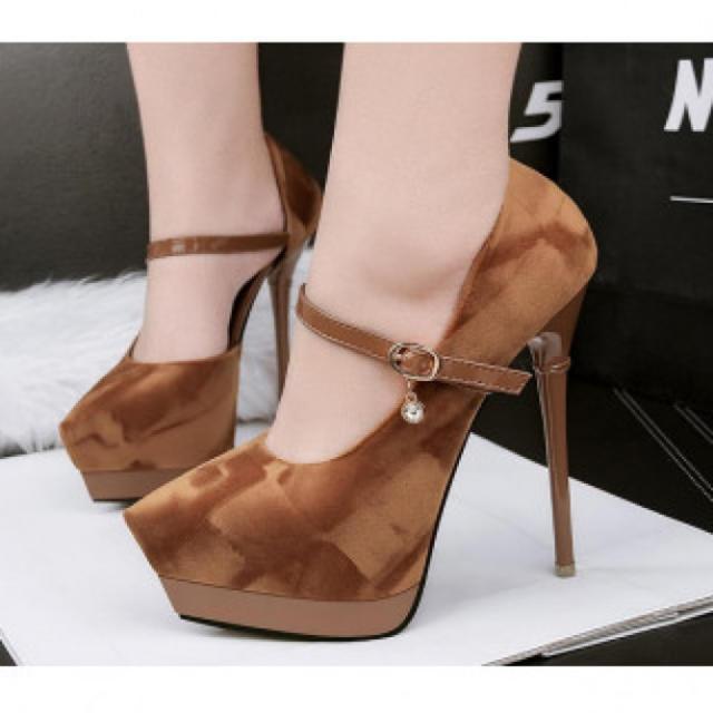 【新作】艶なし ハイヒール パンプス 高級感 ブラウン レディースの靴/シューズ(ハイヒール/パンプス)の商品写真