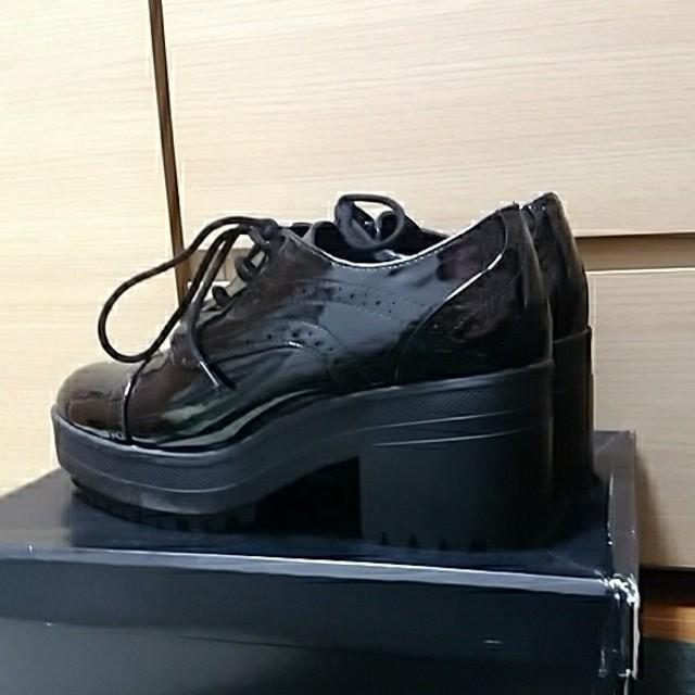 FOREVER 21(フォーエバートゥエンティーワン)の美品 forever21 厚底ブーツ ブラック 25.0 レディースの靴/シューズ(ブーツ)の商品写真