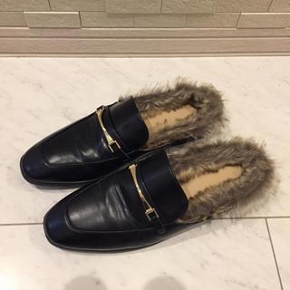 ジーユー(GU)の美品 GU ファー付きシューズ 靴(スリッポン/モカシン