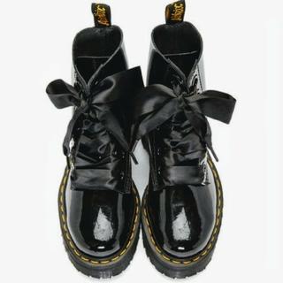ドクターマーチン(Dr.Martens)の黒リボン シューレース 靴紐(スニーカー)
