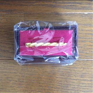 タケオキクチ(TAKEO KIKUCHI)の【新品未開封】タケオキクチ ネクタイピン ゴールド(ネクタイピン)