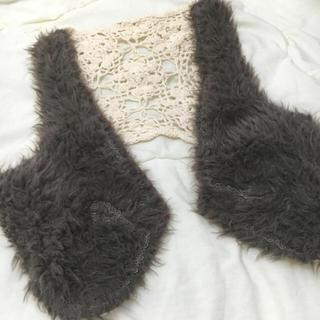 ファーファー(fur fur)のヴィンテージもこもこ刺繍ファーベスト♡(ベスト/ジレ)