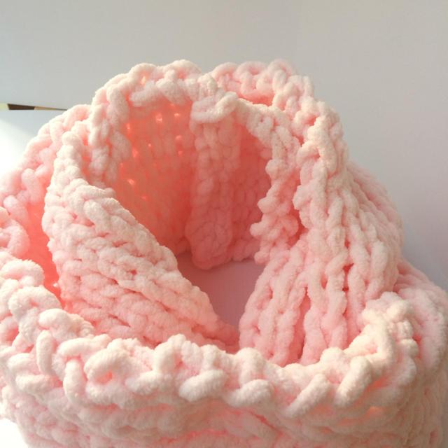 モコモコのスヌード1 ピンク ハンドメイドのファッション小物(マフラー/ストール)の商品写真