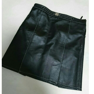 バーバリー(BURBERRY)の【LW様専用】バーバリーのラム革スカート(ひざ丈スカート)