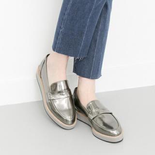 ケービーエフ(KBF)のプラットフォームローファー(ローファー/革靴)