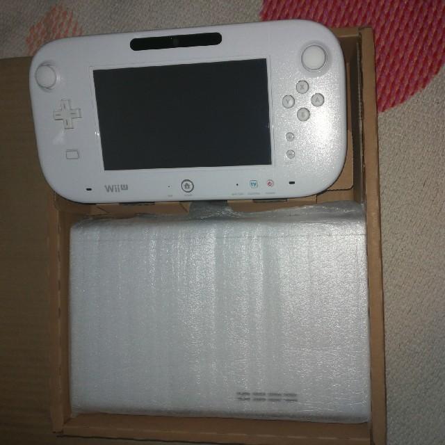 Wii U(ウィーユー)の[美品]Wii U ベーシックセット(shiro) エンタメ/ホビーのテレビゲーム(家庭用ゲーム本体)の商品写真