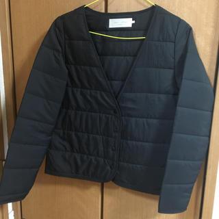 ショコラフィネローブ(chocol raffine robe)のスーツやコートの中にも♬(ノーカラージャケット)