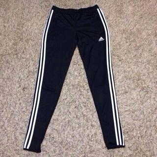 アディダス(adidas)のadidas woman's パンツ(カジュアルパンツ)