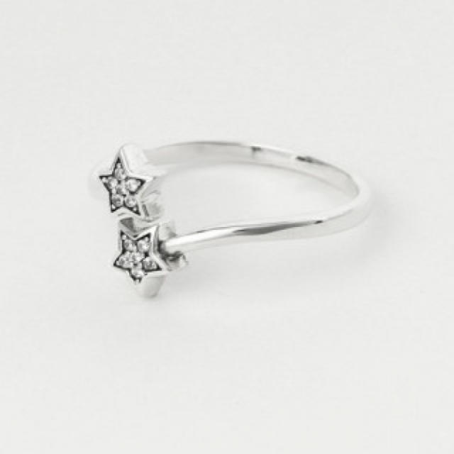 925シルバー ダブルスター CZダイヤ ☆星 スターモチーフ レディースのアクセサリー(リング(指輪))の商品写真