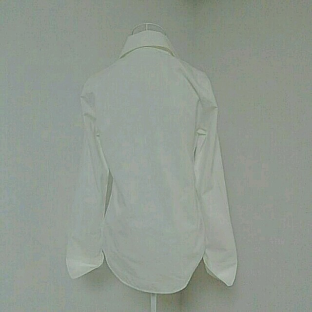 VIVAYOU 白シャツ レディースのトップス(シャツ/ブラウス(長袖/七分))の商品写真